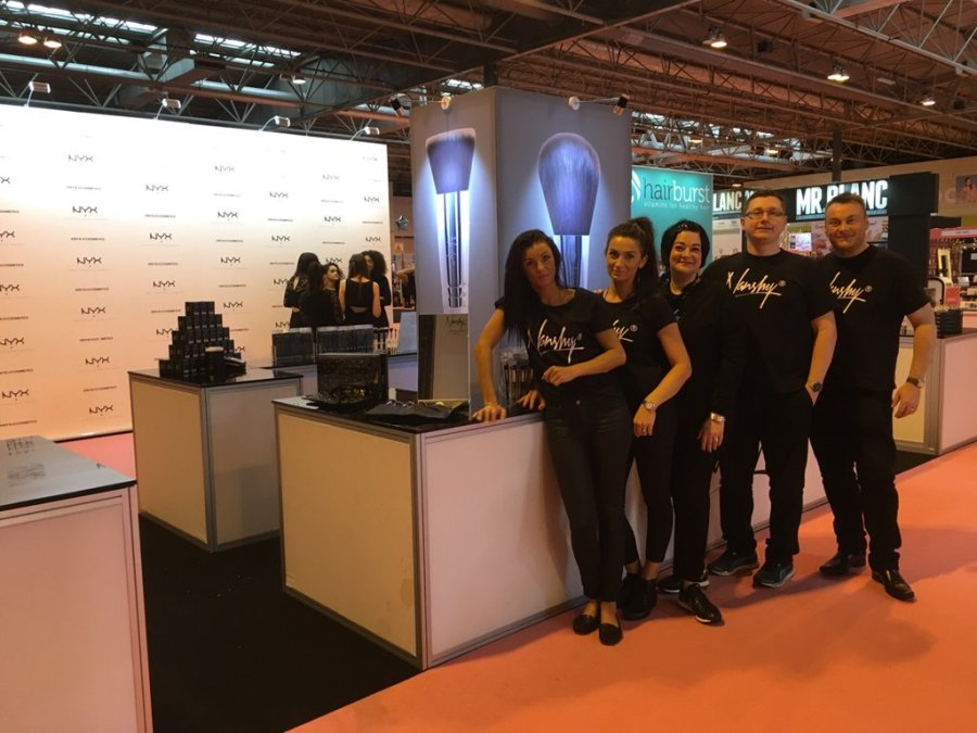 Nikki Taylor with team Nanshy at The Clothes Show